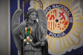 Angel Custodio y medallas